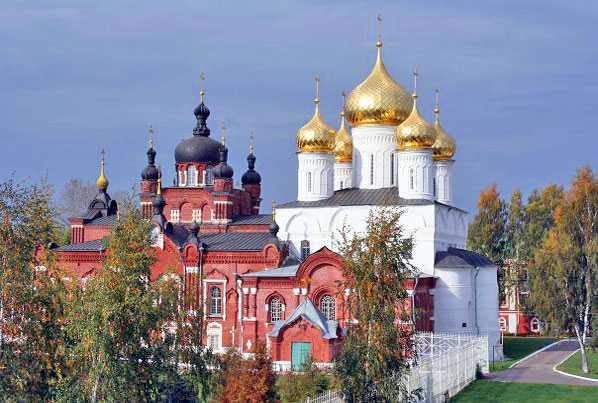 Богоявленско-Анастасиинский монастырь в Костроме